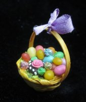 Easter basket w/decorted egg
