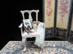 Accessorized Ladies' Chair
